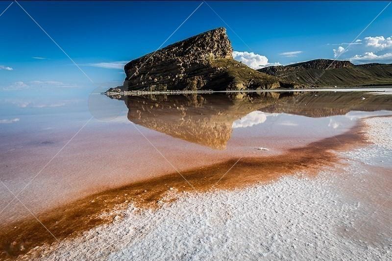 دریاچهی ارومیه بزرگترین دریاچه داخلی ایران، بزرگترین دریاچه آب شور در خاور میانه، و ششمین دریاچه بزرگ آب شور دنیا است.