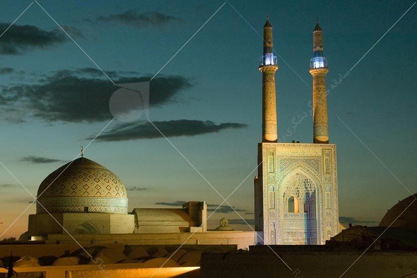 مسجد مناره مربوط به دوره قاجار است و در ارومیه، خیابان امام ره، جنب مسجد سردار واقع شده است.