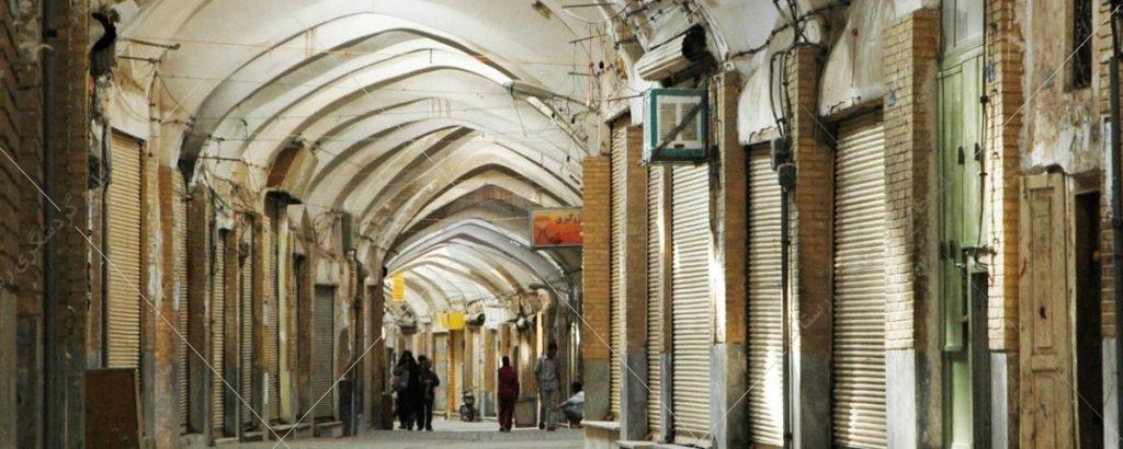 بازار سمنان در دوران قاجار ساخته شده است و در خیابان امام، خیابان شهدا قرار دارد.
