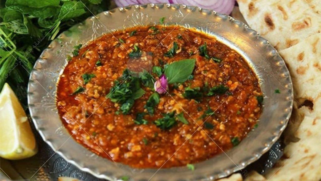 میرزا قاسمی یکی از غذاهای اصیل و بسیار خوشمزه است که اغلب در شهرهای شمالی کشور طبخ می شده است.
