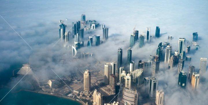 دوحه به عنوان شهر مدرن و پویا ساخته شده و گردشگران هر آنچه برای یک سفر لذت بخش نیاز دارنددر قطر مهیا می باشد. آرامش ، صحرا،سواحل شنی و همچنین هتل های لوکس در قطر در دسترس است.