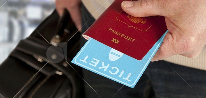 مدت زمان اعتبار ویزای سینگل، ۶ ماه (افراد دارای این نوع ویزا، در صورت خارج شدن از کشور کانادا، لازم به دریافت ویزای مجدد هستند).