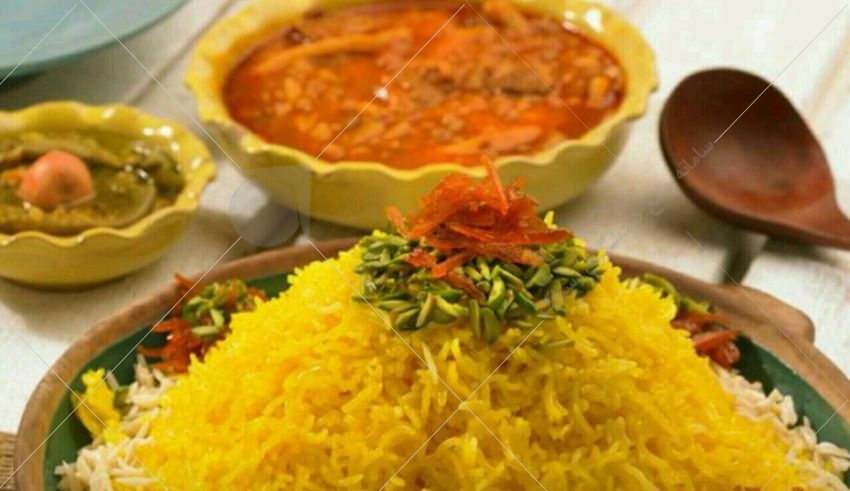 تعداد زیادی از غذای شیراز شیرین اند و این به خاطر این است که مردم از وجود طعم شیرین در غذا لذت می برند.