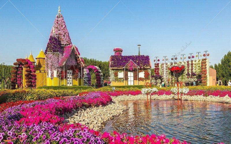 ارک معجزه دبی در کویر و بیابانهای خشک کشور امارات متحده عربی همان بهشتی است که انتظار دیدن آن را در این منطقه خشک نخواهیم داشت. بازدید از این باغ و تماشای دنیای گلهای رنگارنگ که در کنار آنها پروانههای زیبا با رقص خود دلبری میکنند،
