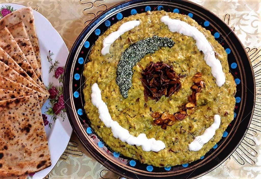 این غذا هم مانند کله جوش در تمام ایران طبخ می شود اما خوب است بدانید که ریشه آن به شهر زیبای اصفهان بر می گردد و در اصل از غذاهای سنتی اصفهان است.