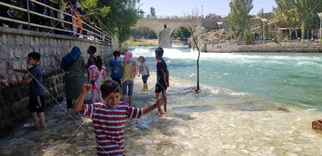 روایتی از احداث پل زمان خان  عکس از رستاک