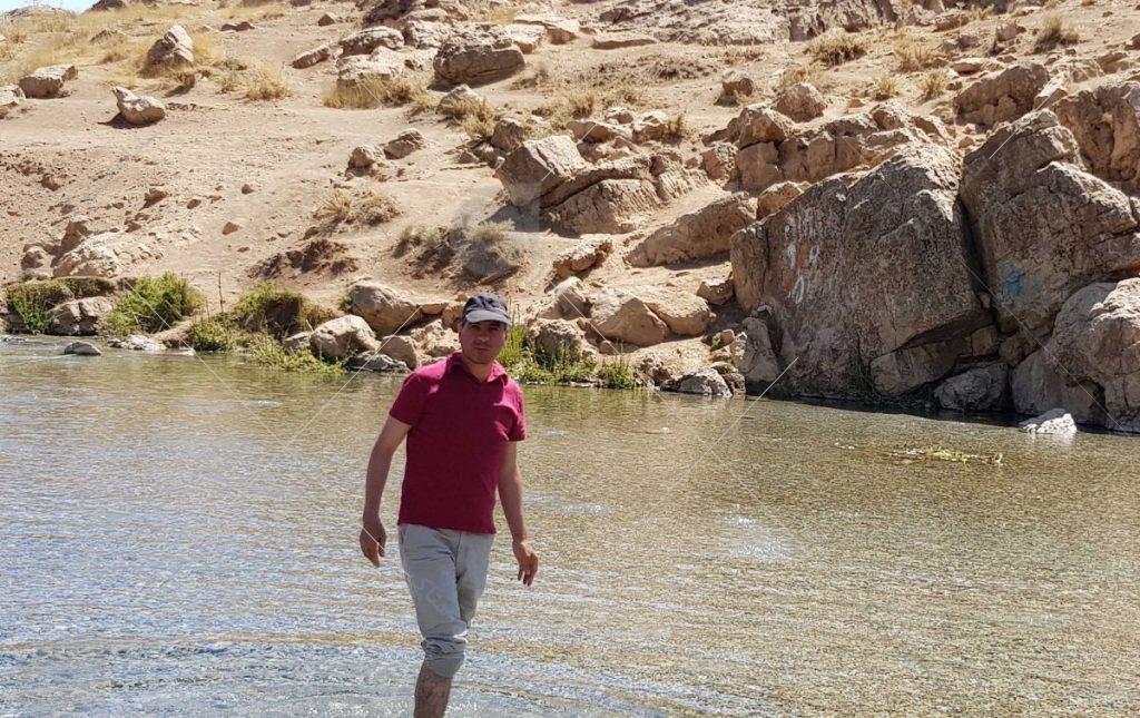 زلال اب چشمه عکس از رستاک