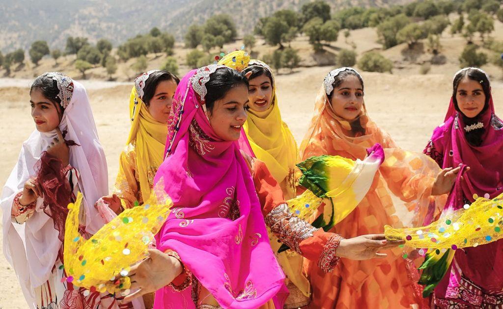 رنگ ها و نشانه ها در عروسی بختیاری